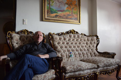 Belgian futurist Michel Bauwens in his rented apartment in Quito, Ecuador, where he helped lead FLOK, a project to develop open-knowledge policies for the country. Image by Nathan Schneider